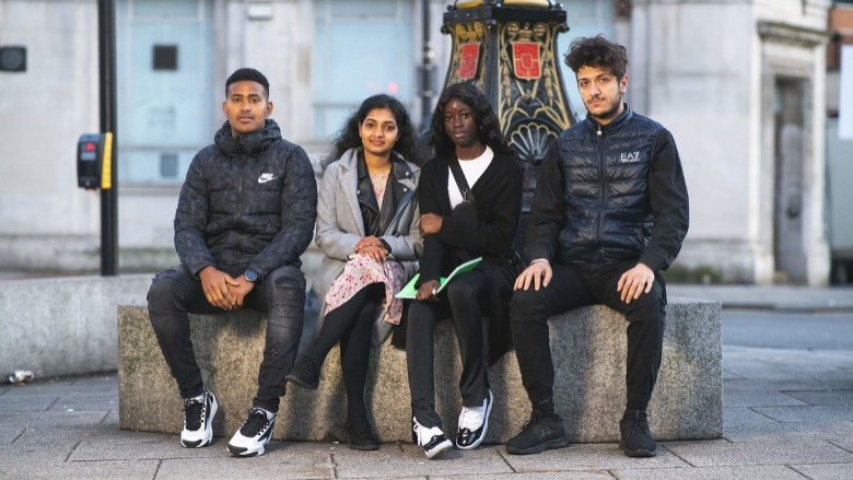 Transitioning through education for young refugees and asylum seekers in the UK